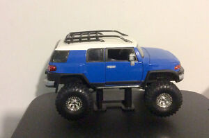FJ CRUISER TOYOTA MODEL BLUE AND WHITE STEEL BODY RARE London Ontario image 1