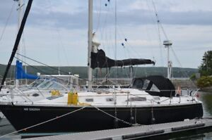 HUNTER 31 SAILBOAT WITH EVERTHING FOR CRUSING.