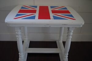 Union Jack Accent Table by Re-Girl