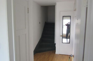 Spacious Modern One-Bedroom Apartment for Rent!