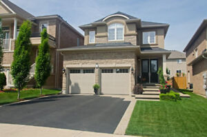 3 Bedroom Homes in Ancaster For Under $895,000!