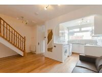 5 bedroom house in Laverstoke Gardens, London, SW1