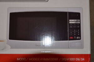 Magic Chef Microwave, still in the sealed Box.