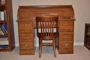 ROLL TOP / ROLLTOP DESK AND CHAIR