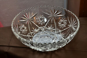 New Price - Beautiful Vintage Pressed Glass Serving Bowl St. John's Newfoundland image 1