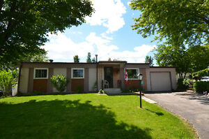 Adult Community Living! 22 Circle Drive - Lindsay, ON