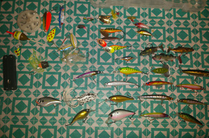 39 piece all brand new fishing lure combo pack + tackle box