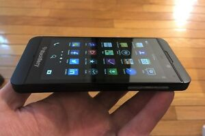 BLACKBERRY Z10 (UNLOCKED) + EXCELLENT CONDITION+ FULLY WORKING !