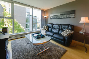 NEW LISTING - 2 bed, 2 bath condo in Yaletown