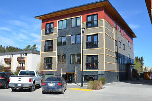 OPEN HOUSE, Unit 403, 604 Main St Thursday June 15, 5:30 to 8:00