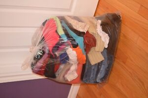virtual yard sale - Women's clothing(size 5-8, xs-med and 28-30)