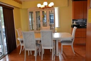 Dinning Table/chairs/ China Cabinet