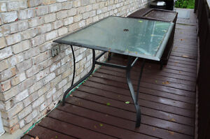 Out door table 3 x 5'