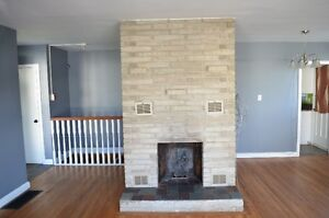 Charming 3 Bedroom, with ensuite. Available Immediately!