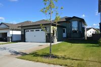 Beautifully Finished Home in O'Brien Lake w/ Walkout