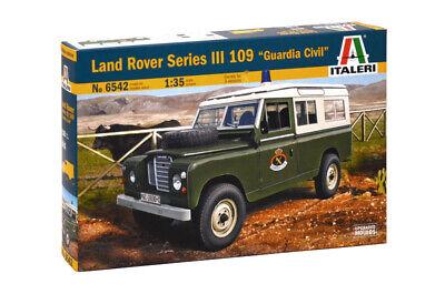 "Italeri Land Rover 109 ""Guardia Civil"" 1:35 Plastik Model Bausatz Kit 6542"