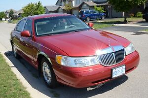 1998 Lincoln Town Car signiture limited edition Sedan