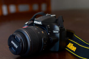 Nikon D3200 Barely Used - $300