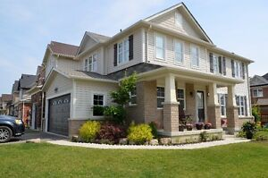 beautiful home in Ancaster meadowland