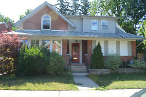 3BR HOUSE + 2 DENS/OFFICE SPACES CLOSE TO BRAMPTON GO