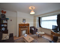 W3: Four Bedroom House with Garden close to Nort & West Acton stations