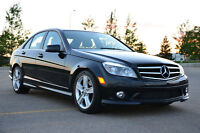 2010 Mercedes-Benz C300 4MATIC – Fully loaded w/ NAV, low KMs