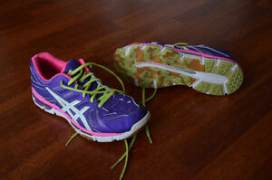 New Condition Women's Running Shoes