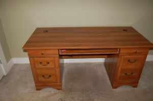 Nice condition wood office/computer desk