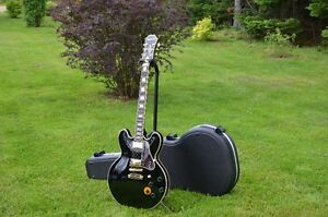 """Mint Condition Epiphone BB King Signature """"Lucille"""""""