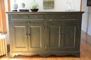 Commode -Chest
