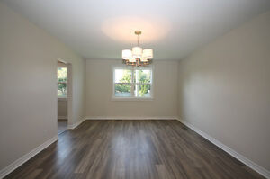 Pretty Renovated Bungalow For Sale in Desirable Neighbourhood Kingston Kingston Area image 6