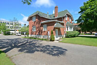 House or Office Building For Sale Richmond Hill Downtown