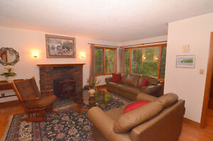 6 BEDROOM HIDDEN GEM Kingston Kingston Area image 3