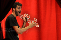 Restaurants entertaining  magician