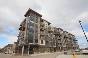 1+1 Bedroom Condo For Lease - Grimsby Lake House
