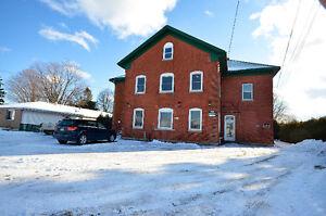 6 WATERFRONT UNITS – 2 BDRMS EACH – GREAT INCOME PROPERTY