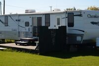 BEAUTIFUL OCEAN FRONT PROPERTY WITH 44' CAMPER (MINT)