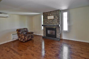 6 1/2 (4 bedroom) triplex available for rent from July 1st
