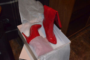 Brand New ladies boots ( in box )