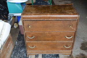 Antique - 3 draw chest of drawers