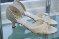 Ivory satin shoes , size 6, NEW, $ 20