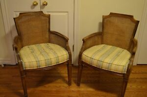 Set of 2 Chairs-Classic Style-Very Comfy!