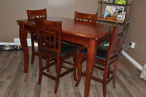 Bar Height Dining Table & Chairs