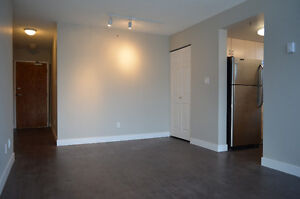 Spacious 2 Bedroom + Den in the Heart of Downtown