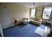 FURNISHED 3 BEDROOM FLAT WITH HMO LICENCE FOR RENT £700 PER MONTH OR £275.00 PER ROOM PER MONTH