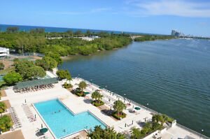 Miami, FLORIDE Sunny Isles Beach. Condo Luxueux
