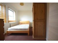 Double Room in Houseshare-Moments Central Line-All Bills Included-Free Wifi-Monents Queen Mary Uni