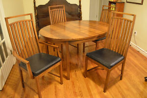 Dining Table w Four Chairs and Matching China Cabinet