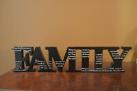 ''Family'' Word Art Décor