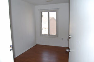 3 bed house on Limberlost avail Dec 1st London Ontario image 7